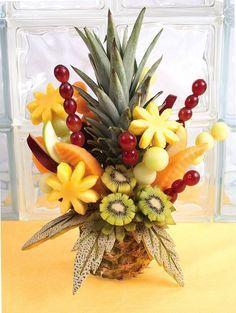 New fruit platter designs edible arrangements Ideas L'art Du Fruit, Deco Fruit, Fruit Drinks, Fruit Art, Fruit Snacks, Fun Fruit, Fruit Cakes, Fruit Appetizers, Fruit Ideas