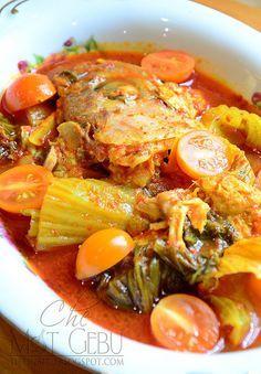 ASAM PEDAS KEPALA IKAN Fish Recipes, Seafood Recipes, Asian Recipes, Cooking Recipes, Malaysian Cuisine, Malaysian Food, Malaysian Recipes, Seafood Diet, Fish And Seafood