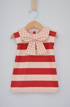 Big Bow Collar Dress by EmsyandCo on Etsy Little Fashion, Baby Girl Fashion, Kids Fashion, Little Girl Dresses, Girls Dresses, Baby Couture, Girls Blouse, Collar Dress, Sewing For Kids