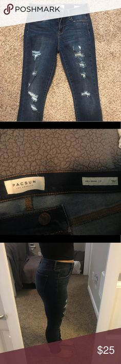 Pacsun jeans Pacsun jeans that have only been wore 1 time. Really good condition! I'm 5'1 so they are pretty long on me. Had to roll them a few times for them to fit my length! Size 27 PacSun Jeans Ankle & Cropped