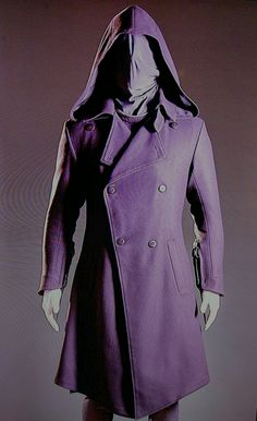 Callum Lynch's assassin coat from the Assassin's Creed movie. Assassin's Creed Film, Creed Movie, Assassins Creed, Character Art, Fashion Ideas, Raincoat, Cosplay, Costumes, Diy