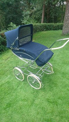 Picnic Blanket, Outdoor Blanket, Vintage Pram, Prams And Pushchairs, Strollers, Little Sisters, Kids And Parenting, Sun Lounger, Baby Dolls
