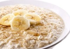 Great ideas for Weight Watchers to prepare oatmeal for breakfast w/ recipes, points plus values - stove top oatmeal, microwave oatmeal, slow cooker and Breakfast And Brunch, Breakfast Food List, Healthy Breakfast Recipes, Brunch Recipes, Baby Food Recipes, Baked Oatmeal Recipes, Oats Recipes, Fruit Recipes, Weight Watchers Oatmeal Recipe