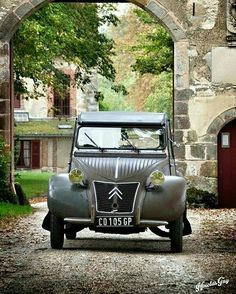 Citroen 2CV Peugeot, Vintage Cars, Antique Cars, Antique Metal, Model Auto, 2cv6, Vintage Cycles, Oldschool, Cabriolet
