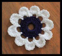Jednoduchá velká kytička Crochet Flowers, Diy And Crafts, Crochet Earrings, Embroidery, Knitting, Camilla, Jewelry, Leaves, Tejidos