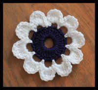 Jednoduchá velká kytička Crochet Flowers, Diy And Crafts, Crochet Earrings, Embroidery, Knitting, Camilla, Leaves, Tejidos, Needlepoint