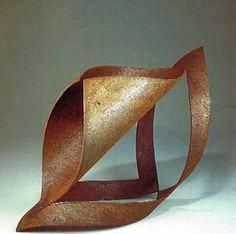 welding art projects for beginners Metal Sculpture Artists, Steel Sculpture, Pottery Sculpture, Abstract Sculpture, Welding Art Projects, Steel Art, Math Art, Art Archive, Paper Art
