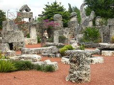 Many of the features and carvings of the Florida's CORAL CASTLE are notable. Two-story castle tower served as Leedskalnin's living quarters, walls of 8-foot high pieces of stone, an accurate sundial, Polaris telescope, an obelisk, barbecue, water well, fountain, celestial stars and planets, numerous pieces of furniture: heart-shaped table, table in shape of Florida, 25 rocking chairs, chairs resembling crescent moons, bathtub, beds and royal throne.