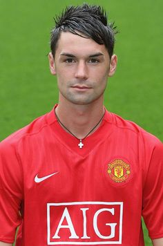 MANCHESTER, ENGLAND - AUGUST Chris Eagles of Manchester United poses during the club's official annual photocall at Old Trafford on August 28 2007 in Manchester, England. (Photo by John Peters/Manchester United via Getty Images) Old Trafford, Football Fans, Football Players, John Peter, Manchester United Players, Manchester England, August 28, Poses, Eagles