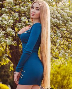 The next Rapunzel for the day is @blondie.edition  Our site is dedicated to the celebration of beautiful long hair. If you have long hair and would like to be featured on our instagram profile and website please send us a DM with your best hair picture.  #longhair #rapunzel #cabeloslongos #hairdiva #hairmodel #beautifulhair #hairgoals #instahair