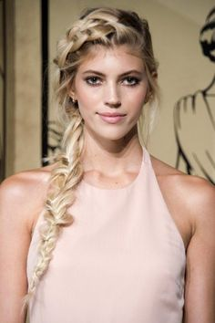 Holiday hair look: get inspired by red carpet and runways