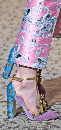 Dolce & Gabbana at Milan Fashion Week Fall 2018 - Details Runway Photos Dolce & Gabbana, Crazy Shoes, Me Too Shoes, Moda Lolita, Autumn Fashion 2018, Mode Outfits, Mode Inspiration, Mode Style, Beautiful Shoes