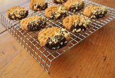 Low-Carb Peanut Butter Cookies