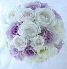 白と紫のバラのブーケ シャングリ・ラ ホテル様へ