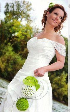 http://ramosdenoviaoriginales.com/ramos-de-novia-modernos-y-originales/