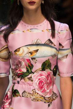 Dolce & Gabbana at Milan Fashion Week Spring 2017 - Details Runway Photos Fashion Prints, Fashion Art, Runway Fashion, High Fashion, Fashion Design, Milan Fashion, Fashion Outfits, Haute Couture Style, Italian Fashion
