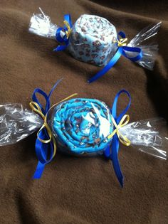 """Baby shower idea - blankets wrapped like """"candy"""""""