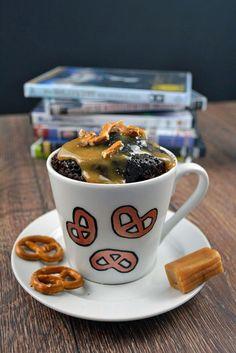 Schoko Karamell Tassenkuchen mit Salzbrezeln 01