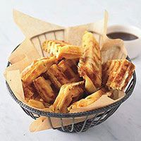 Jalapeno-Cheddar Waffle Sticks -- These bite-size waffles are easy to pick up and eat sans table. Plus, they pack a spicy punch. Waffle Stick Pan Recipe, Waffle Pan, Waffle Sticks, Waffle Iron Recipes, Brunch Recipes, Appetizer Recipes, Snack Recipes, Snacks, Party Appetizers