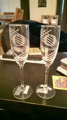 Should have picked these up for our wedding! Oregon ducks wedding flutes #goducks