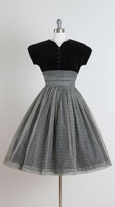 Doris Dodson . vintage 1950s dress . vintage by millstreetvintage