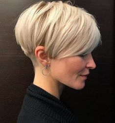 Blonde Layered Pixie Haircut ❤ Explore the ideas of sporting short layered hair if you are about to freshen up your style! See how your new texture can change your look for the better. womens style 30 Ideas Of Wearing Short Layered Hair For Women Haircuts For Fine Hair, Short Pixie Haircuts, Short Hairstyles For Women, Hairstyles Haircuts, Pixie Bob Haircut, Stylish Hairstyles, Really Short Hairstyles, Short Undercut Hairstyles, Hairstyle Short Hair