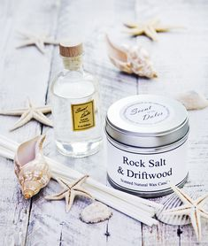 A floral marine scent where refreshing notes of seaweed and green algae lie in cool rock pools livened by a fresh coastal breeze and enhanced by touches of cyclamen and water lily. At the base of the fragrance, sparkling salt crusted driftwood is warmed by amber, patchouli and musk. This is a wonderful fragrance for remembering lazy days by the beach allowing the salt-infused air to gently waft about, ideal for accompanying long relaxing soaks in the bath. Can you hear the waves?