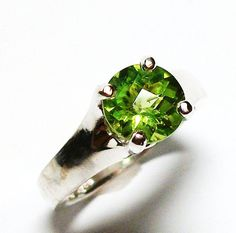 Peridot ring solitaire ring birthstone ring by Michaelangelas