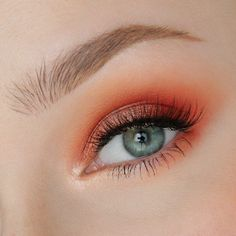 Poppy Shimmer Makeup Tutorial by Rose Herd. Makeup Geek Duochrome in I'm Peachless. Makeup Geek Eyeshadow in Creme Brulee, Poppy, and Roulette. Makeup Geek Foiled Eyeshadow in In the Spotlight.