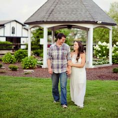 Katie and Justin's beautiful engagement session at Alturia Farm. Photo courtesy of April Renee Photography
