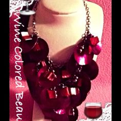 ✔✔✔Beautiful Wine Disk Statement Necklace This is a beautiful statement necklace in wine colored ! Adorable disks make the necklace a very unique piece and will add a great sparkle to any outfit! Take a plain outfit and this necklace will add the pop it needed! New never used put on to take photo! Really adorable and fun! 20$ Sonoma Jewelry Necklaces