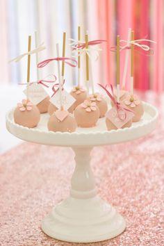Sweet Candy Table Konzept mit goldenen Akzenten und altrosa www.suess-und-salzig.de www.sweet-candy-table.de