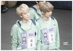 Hunhan-Luhan side-hugging I can't I just can't okay goodbye