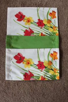Easy Sew bedside caddy from 2 placemats.