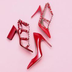 KEvery femme fatale needs a pair of red heels Covet Fashion, Fashion Shoes, Style Fashion, Valentino Shoes, Dream Shoes, Cool Things To Buy, Stuff To Buy, Shades Of Red, Wholesale Fashion
