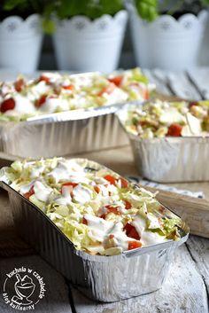 Holenderski kebab, fast food z foremki, kapsalon Cooking Pork Chops, Snack Recipes, Cooking Recipes, Cooking Supplies, Best Food Ever, Kebabs, Easy Cooking, Tasty Dishes, Food Inspiration