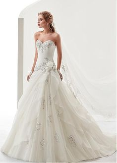 Charming Tulle & Organza Sweetheart Neckline A-Line Wedding Dresses With Lace Appliques