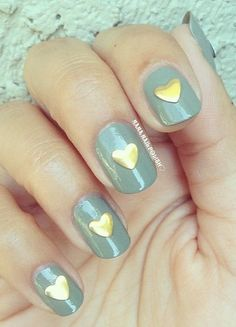 Love this adorable heart manicure!