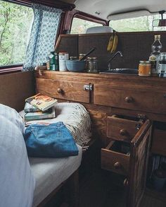 25 Van Life hacks that will blow you away 25 Van Life hacks that will blow you away 25 Van Life Hacks to Blow You Away 25 Van Life Hacks to Blow You Down Pay off every time you play sports. It is possible to save time Life Van Life Hacks 13 25 … Bus Camper, Kombi Motorhome, Camper Life, Camping Hacks, Van Camping, Beach Camping, Living In Car, Van Living, Combi Hippie