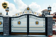 Steel Gate Design, Front Gate Design, Main Gate Design, House Gate Design, Door Gate Design, House Front Design, Gate Designs Modern, Modern Fence Design, Wrought Iron Garden Gates
