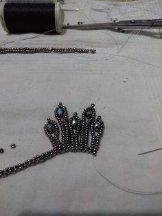 Beading Patterns Free, Beaded Jewelry Patterns, Beading Tutorials, Seed Bead Jewelry, Bead Weaving, Bead Crafts, Beaded Embroidery, Crystal Beads, Beaded Necklace