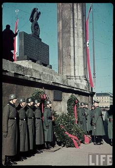 The Plain Truth: NAZI Germany - In Color photos