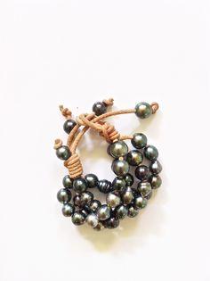 Tahitian Pearls & Leather bracelet