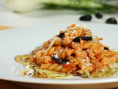 Fourth of Top 5 Pinned recipes for spring dining: Barilla Gemelli with Roasted Fennel and Black Garlic Barilla Recipes, Pasta Recipes, Cooking Recipes, Garlic Recipes, Veggie Recipes, Veggie Food, Gorgonzola Cheese Recipes, Roasted Fennel, Black Garlic