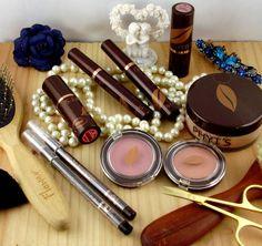 Ici sont regroupés nos produits de maquillage biologique Phyt's.  Nous avons des gloss, des rouges à lèvres, fars à joue, crayon pour les yeux, poudre de teint. Biologique, Blush, Lipstick, Nature, Face Powder, Products, Lipsticks, Naturaleza, Rouge