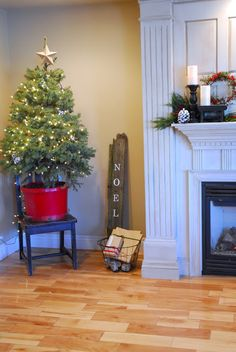 Chalkboard Blue: Our Simple Christmas