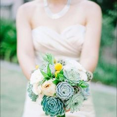 Most recent wedding we did! I love  #succulentbouquet #succulents #bridalbouquet #wedding #weddingdress #bokeh http://www.russwholesaleflowers.com/wholesale-succulent-sale  RusswholesaleFlowers.com offers the best wholesale succulent prices available to the public online.  wholesale succulents for bouquets, special events, wreaths, diy and more.  3 different sizes to meet your needs.