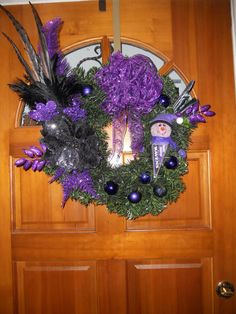 Baltimore Ravens Holiday Wreath (I could make this!)