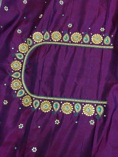 Hand Work Blouse Design, Simple Blouse Designs, Blouse Designs Silk, Jewelry Crafts, Craft Jewellery, Wedding Saree Blouse Designs, Maggam Work Designs, Sari Design, Grand Designs