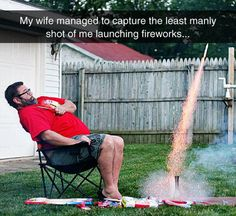 As the United States celebrates Independence Day, we honor the important stuff: Blowing stuff up and eating BBQ. Happy of July, 'Murica!: 20 Funny Pics To Make You Laugh On The of July Make Em Laugh, I Love To Laugh, Laugh Out Loud, Haha Funny, Funny Memes, Hilarious, Funny Stuff, Funny Videos, Funny Shit